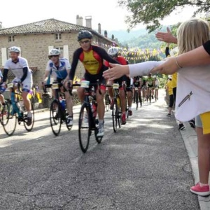 course-cycliste-ardechoise-peloton-cyclosportifs-lapras