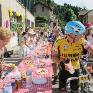 course-cycliste-ardechoise-ravitaillement-le-cheylard